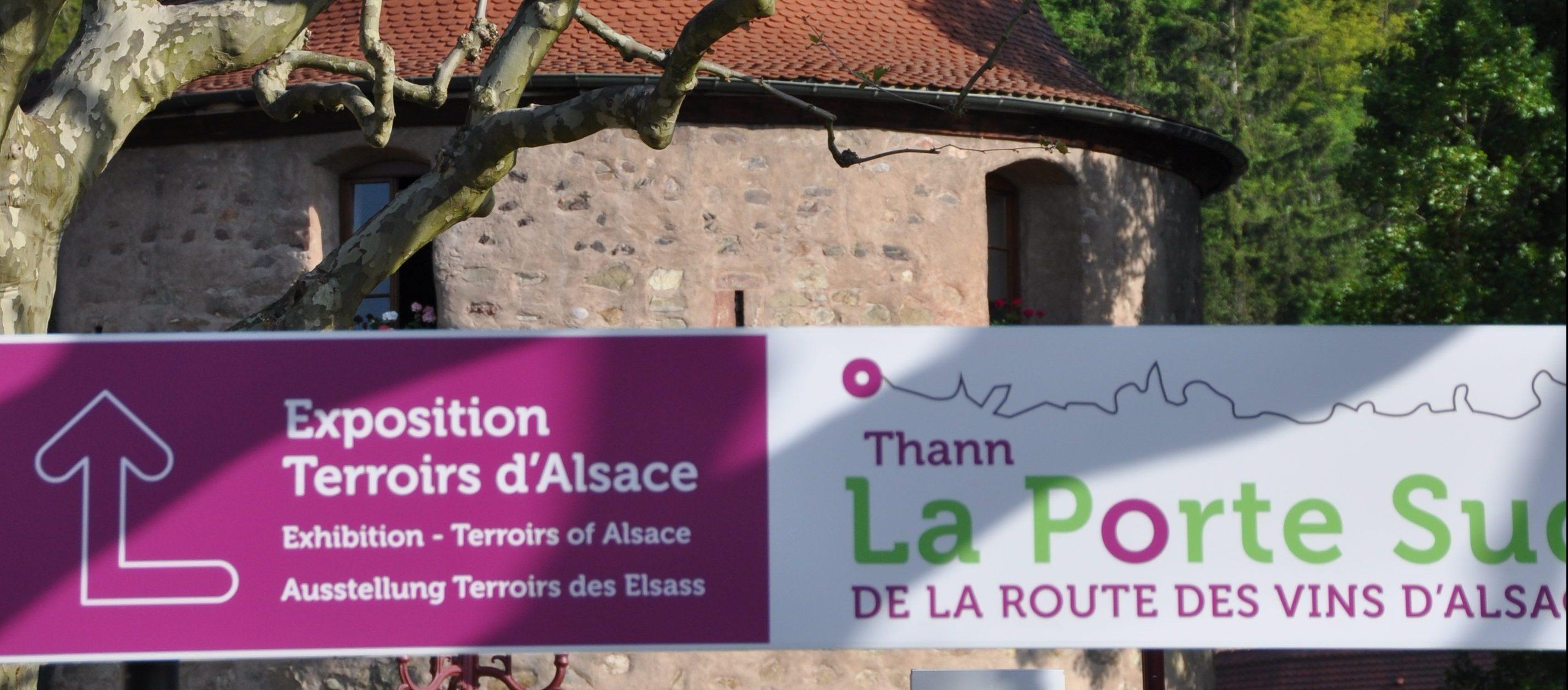 Thann-photo Porte Sud de la Route des Vins d'Alsace