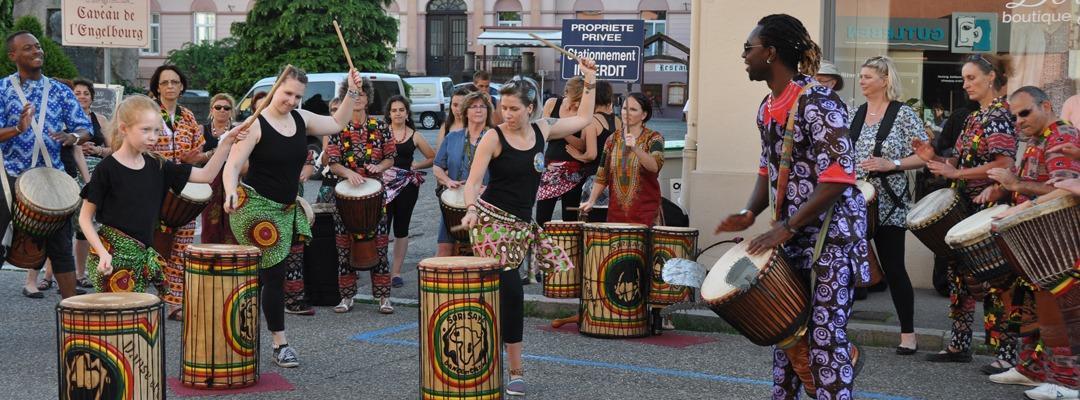 Fête de la musique aux balcons et jardins, et musiques itinérantes
