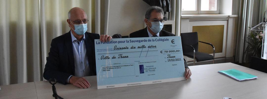 Remise du chèque de la Fondation